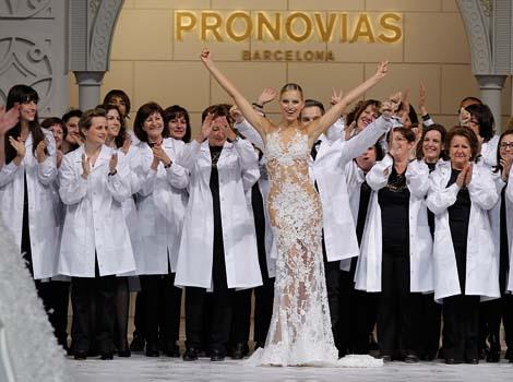 España, con Pronovias como abanderada, crea la moda nupcial para los pueblos del mundo